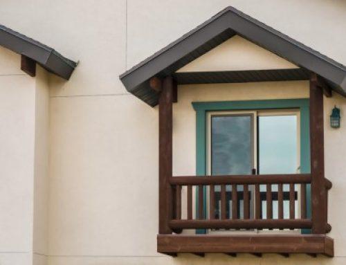 A fa erkélykorlát előnyeiről bővebben